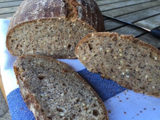 špaldovoražný chlieb s pšenom