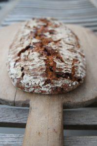 kváskový chlieb s karobom